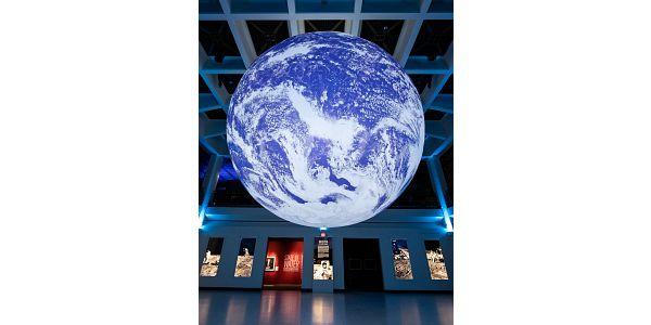 HMNS-gaia-globe.jpg